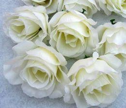 Tête artificielle fleurs artificielles en Ligne-Chaud! 100pcs fleurs artificielles laiteux blanc roses fleur tête fleur boule arrangement de fleurs en soie. Fournitures de fête festive