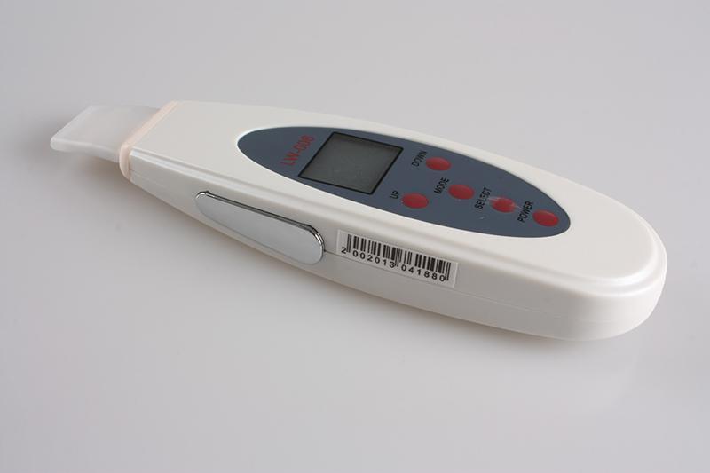 Multifunctionele Draagbare Ultrasone Huid Scrubber Cleaner Massager LCD-scherm 4-modi