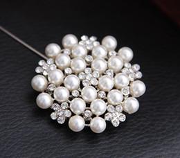 $enCountryForm.capitalKeyWord Canada - New Multi-beads Pearl Pin Brooch Bridesmaid Girl Clear Rhinestone Petal Flower Corsage For Wedding