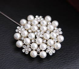 Wholesale Gifts For Bridesmaids - New Multi-beads Pearl Pin Brooch Bridesmaid Girl Clear Rhinestone Petal Flower Corsage For Wedding