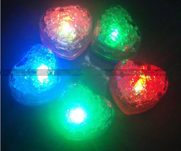 Laagste prijs 72 stks / partij Gratis verzending Heart-Ice Cube Light Wedding Party Bar Kerstdecoratie