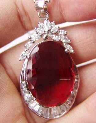 Atacado barato bonito vermelho rubi pingente de cristal de prata + cadeia livre