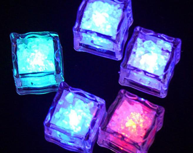 360 * LED Buz Küpü Işık 6 Renk Değiştirme Flaş Kristal Küp Romantik Parti Düğün için