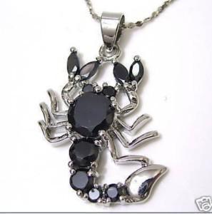 En gros pas cher cristal noir scorpion pendentif bijoux + chaîne gratuite