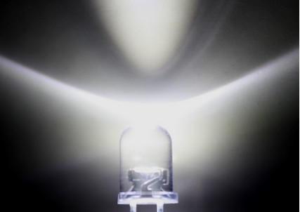 transporte livre EMS livre para EUA 5mm 25000 MCD Ultra Branco brilhante luz do diodo emissor de luz LED