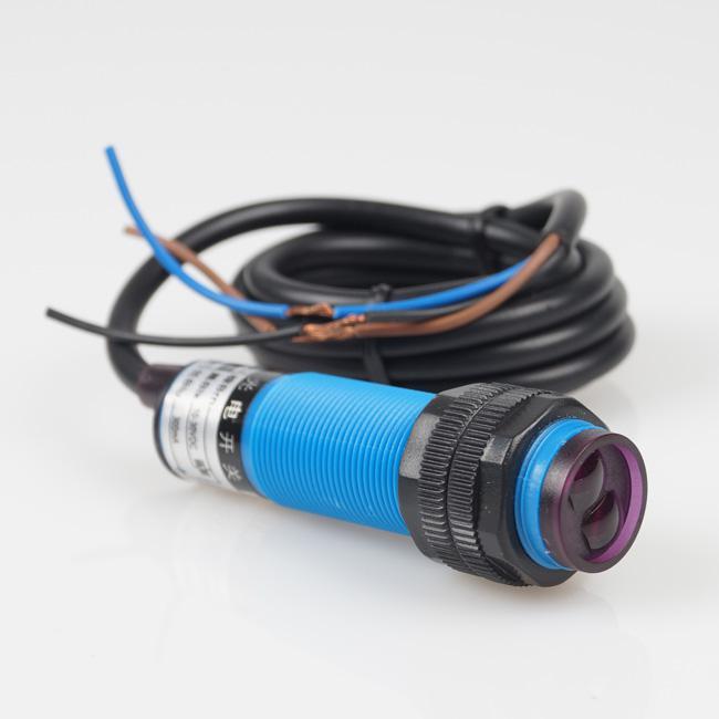 5 pz Spedizione gratuita Interruttore fotoelettrico NPN Diffuse Reflection 3-wire Diameter 18mm # BV147 @ CF
