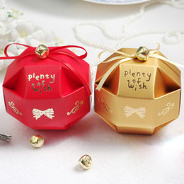 Wholesale Cute Graduation Gifts - 100 pcs Cute Candy Box with Little Bell Decoration Wedding Favor Candy Gift Boxes Gold or Red