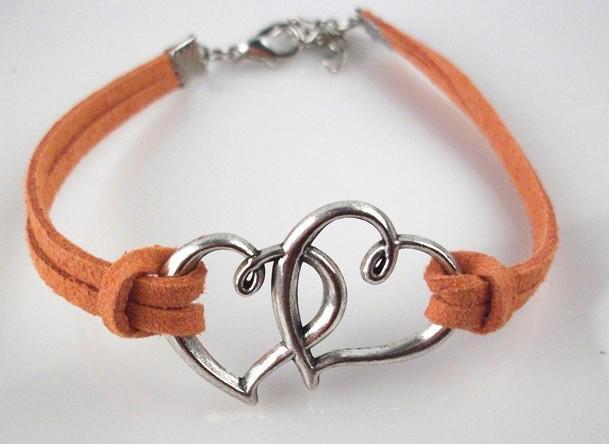 10 stks / partij Gemengde kleuren 2 harten Love Heart Lederen Cord Armband Lederen Armband Fashion Bracelet