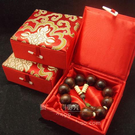 2019 Cotton Filled Jewellery Gift Boxes Large Silk Printed Bangle