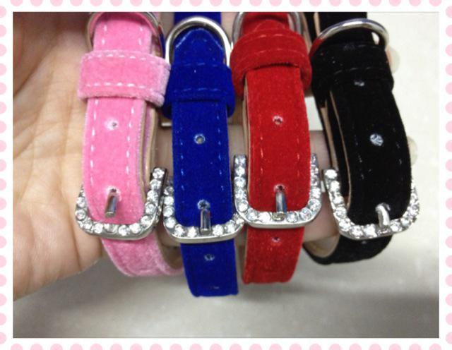 Tissu de velours doux collier de chiot doux expédition avec diamant rond quatre couleurs /