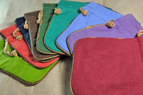 Packing Bags Wholesaler Zuotang Sells Plain Color Small Cloth ...