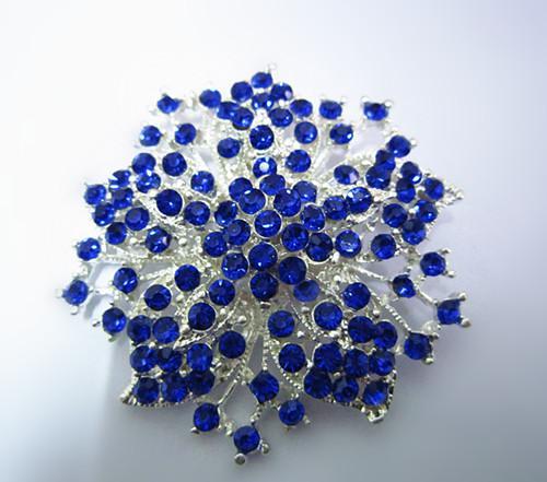 2,2 pulgadas de plata chapada Royal azul Rhinestone Crystal Diamante flor Broche