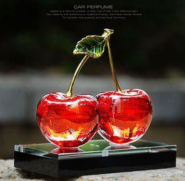 2019 disegno di bottiglia liquido 5ml Cherry Design Crystal Car Bottiglia di profumo Bottiglia di profumo di vetro Contenitore cosmetico Car Deodorante per ambienti auto disegno di bottiglia liquido economici