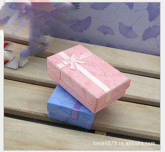 5 * 8 * 2.5 cm 120 pçs / lote caixa de presente de embalagem de exibição de moda caixa de jóias, caixa de pingente, caixa de brincos cor aleatória