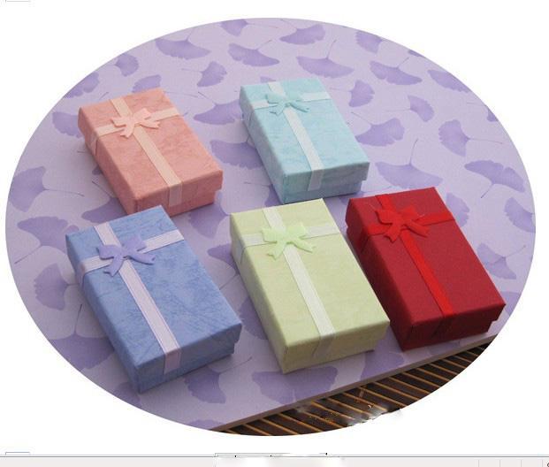 5 * 8 * 2.5cm 5色のファッションディスプレイの包装ギフトボックスジュエリーボックス、ペンダントボックス、イヤリングボックスランダムカラー/ロット