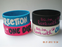 "Wholesale One Direction Silicone - Wholesale Shipping 50PCS Lot 1"" Wide Band So in Love With One Direction Silicone Bracelet Promotion Gift"