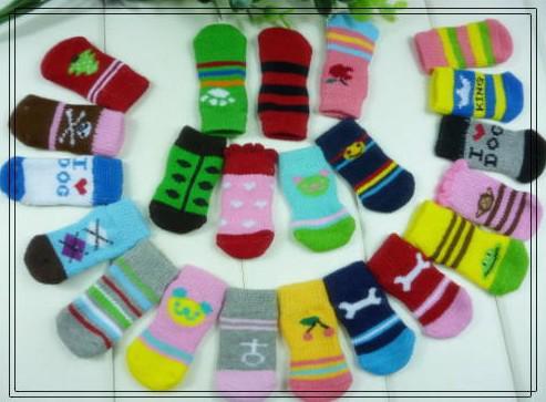 top popular Free shipping 2013 NEW Fashion Design pet Dog Socks 24pcs lot=6sets lot Hot sales 2020