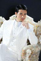Wholesale Embroidery Bridegroom Suits - Embroidery White Three Buttons Groom Tuxedos Best Man Peak Lapel Groomsmen Men Wedding Suits Bridegroom (Jacket+Pants+Tie+Vest) H699