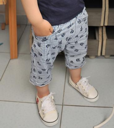 2016 Sommer-Junge-Shorts Kinder-Baby kurze Hosen Schädel Vertikale Streifen-Entwurfs-Kind-Kleidung Size100-140 Kostenloser Versand