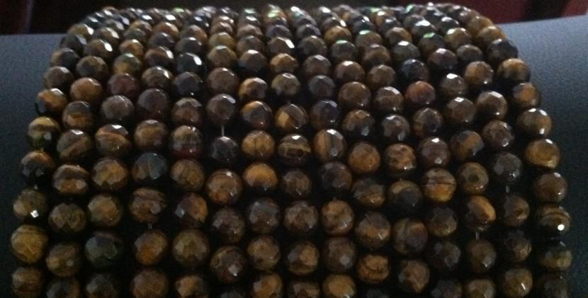Nuovo perline tonde sfaccettate in ematite da 10mm./
