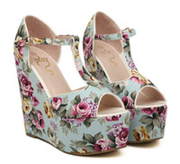Casacos de atacado Summer Romantic Flower Floral T-Strappy High Wedge Heels Sandal 2 cores
