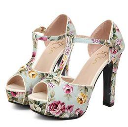 Sandali romantici online-Sandali Sexy Donna Romantic Flower Floral T-Strappy High Stiletto Tacchi Sandalo 2 colori