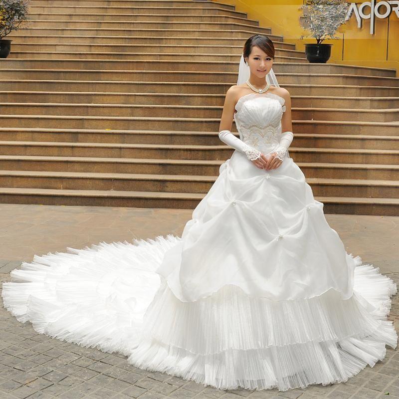 Personnalisé Dernières Amazing A-ligne bretelles Scoop cathédrale train robe de mariée robes 01