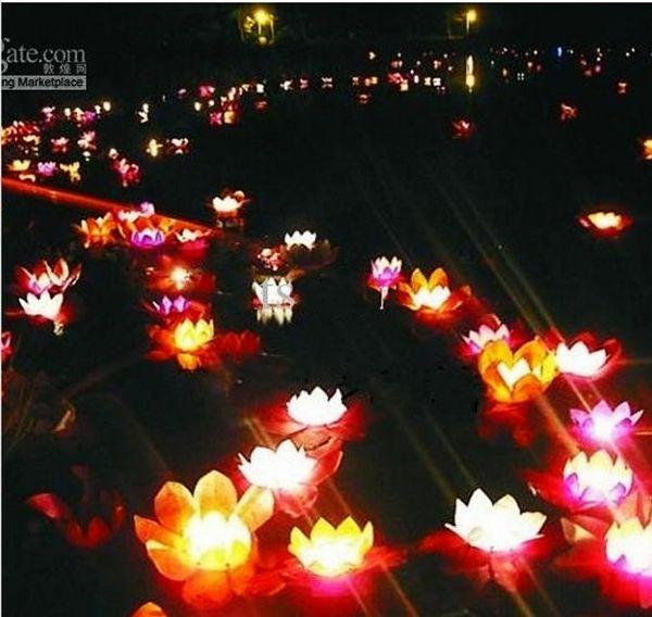 30pcs / lot Valentinsgruß-Kerzen-Laternen, die Wasser-Blumen-Wasser-sich hin- und herbewegende Laterne-Lotus-Blumen-Lampen-Verzierung wünschen