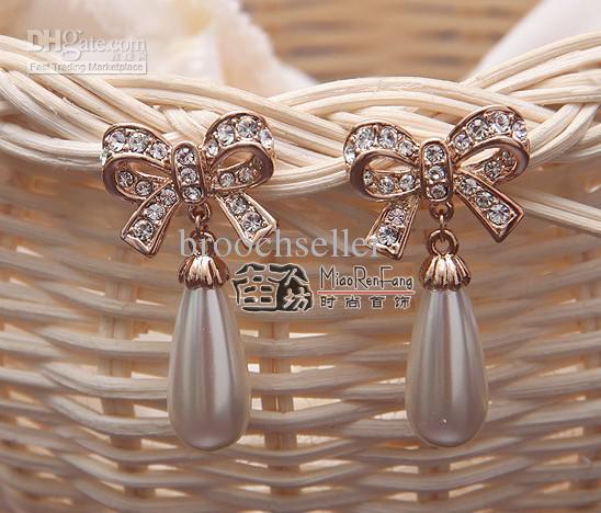 Rose Vergulde Clear Rhinestone Crystal Water Drop Cream Pearl and Bow Design Stud Earring