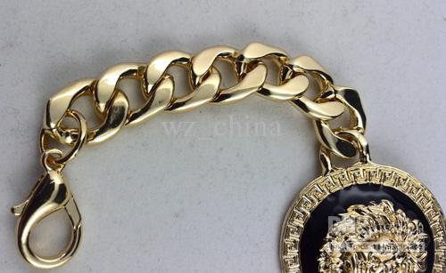Bijoux fantaisie Black Lion Head Bracelet Bracelets à breloques en or Min Order is Livraison Gratuite