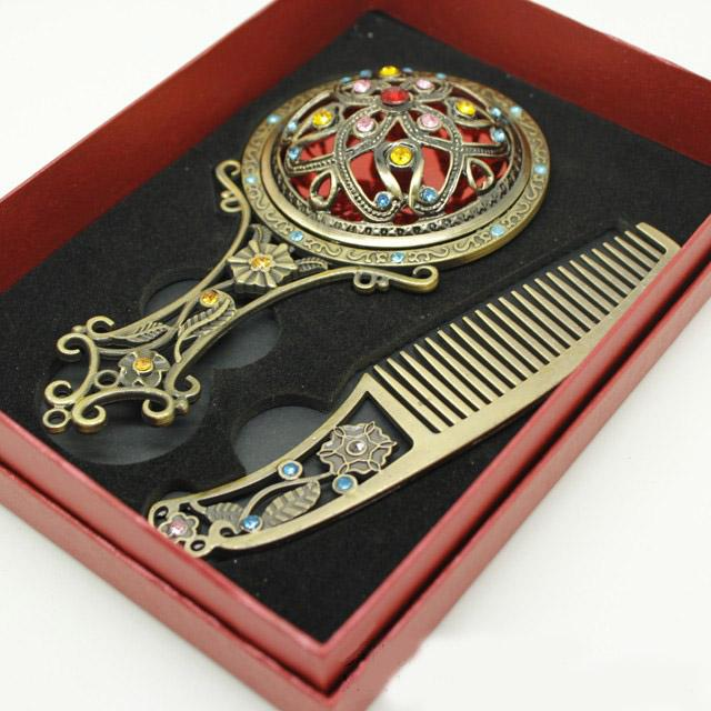 Collectable Decorative Makeup Mirror and Comb Rhinestone Flower Engrave Bronze Handle Mirror Art Craft Portable Women Make Up Mirror
