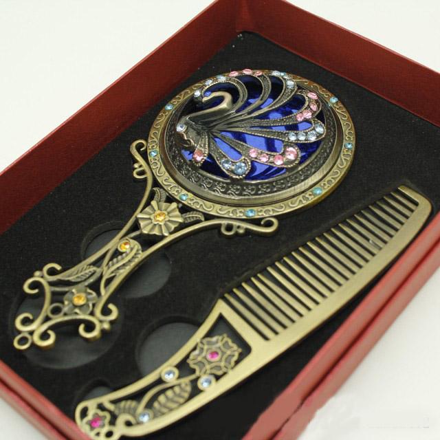 Collectable decoratieve make-upspiegel en kam strass bloem graveren brons handvat spiegel kunst ambachtelijke draagbare vrouwen make-up spiegel