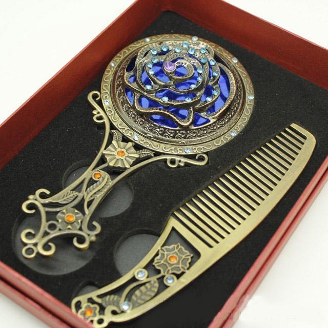 Specchio trucco decorativo da collezione e pettine con fiore di strass Incidere con manico in bronzo Specchio oggetti d'arte Specchio donne portatile
