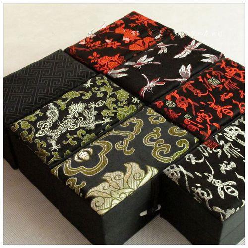 Retângulo Floral Alto Jóias Caixa de Presente de Algodão Cheio De Seda Brocado Embalagem De Armazenamento Garrafa De Snuff Artesanato De Pedra Caixas Capa 12x7x6.5