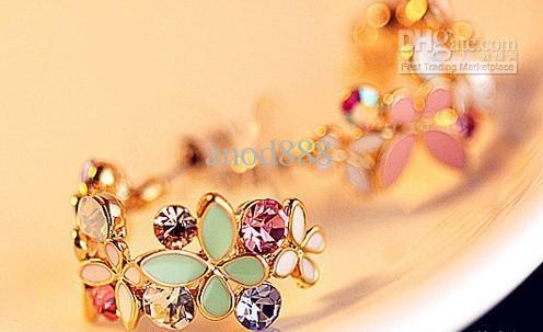Spedizione gratuita - Delicati orecchini stile farfalla colorata / colore di alta qualità che conserva 18 k placcato oro senza allergia