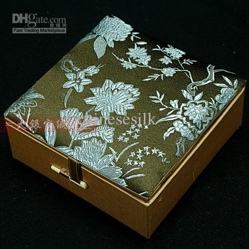 Cotton Filled Decoratel Fashion Armband Sieraden Geschenkdoos Display Box Opbergcase Zijde Brocade Kartonnen Craft Packaging Boxes /