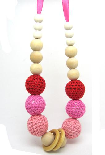 Handmade Crochet ball fade red peach nursing Teething necklace knit ball necklace wooden ring bead NW1345