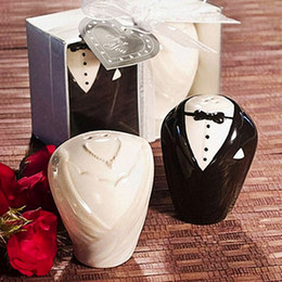 Wholesale Salted Groom - Bride And Groom Ceramic Salt & Pepper Shakers Wedding Favor (Set of 2) for Wedding Party Gifts Favors Supplies Free Shipping