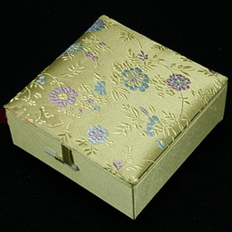 Wholesale Silk Jewellery - Silk Brocade Jewellery Gift Boxes Square Cotton Filled Keepsake Box High End Bangle Bracelets Box 2pcs lot Mix Color Free