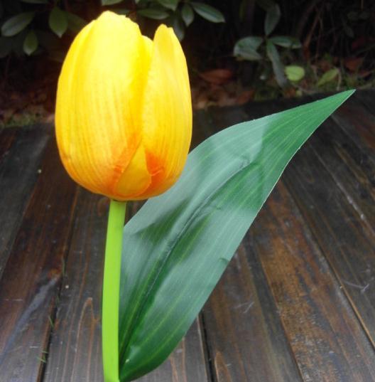 Nuovi arrivi 42cm Tulipano artificiale Simulazione Tulipano Bouquet Nove teste mazzo Tulipani in seta Fiore di primavera