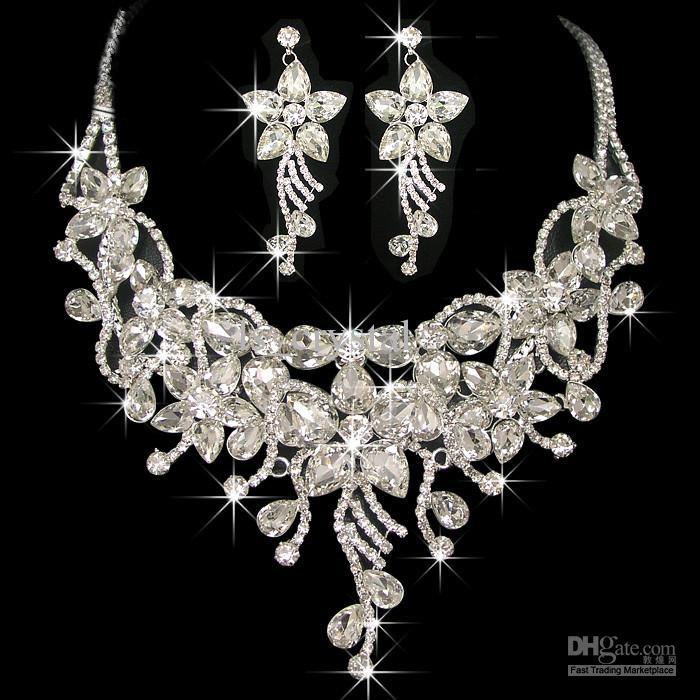 Costume Bijoux Frontlet Accessoires pour cheveux Diamond Collier Boucles d'oreilles Noble Bijoux Set pour dames en dinking Party CN039
