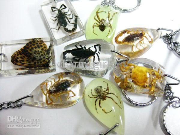 Stile misto 15 pz / lotto unico cristallo artificiale ambra insetto portachiavi portachiavi e regali di moda portachiavi auto
