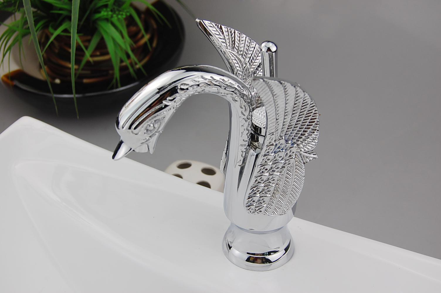 Attirant Classic Elegant Bathroom Basin U0026 Kitchen Sink Chrome Mix Tap Faucet CW202