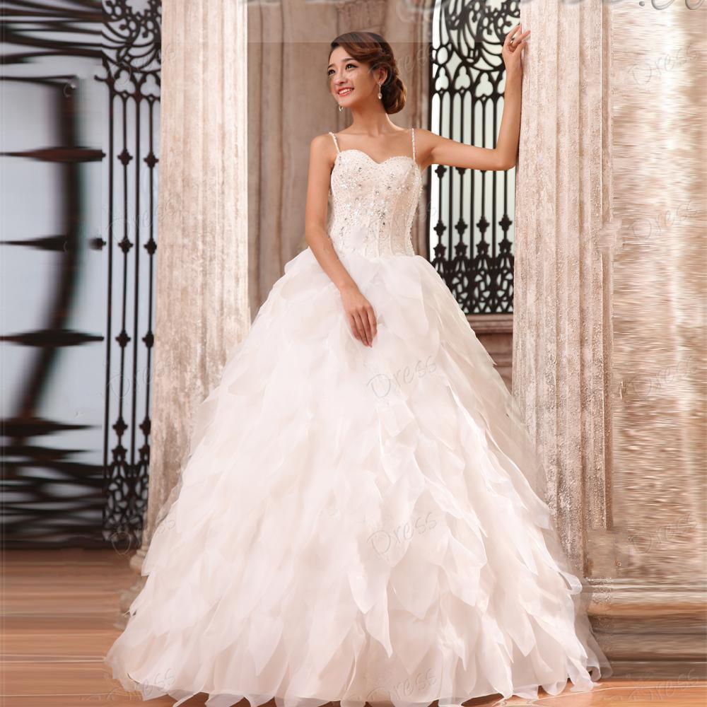 As correias de espaguetes lindos as mais atrasadas do costume tornam o vestido de casamento do comprimento do assoalho dos plissados