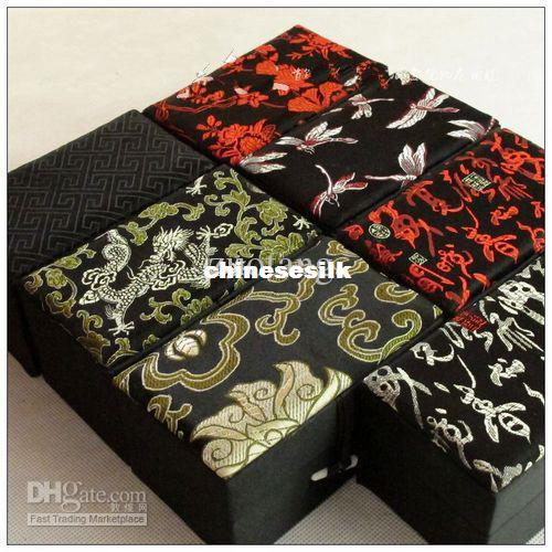 Cotton Filled Crystal Bracelet Box High End Prayer Beads Boxes Silk Brocade Gift Jewelry Boxes size 12x7x6.5 cm 5pcs/lot mix color Free