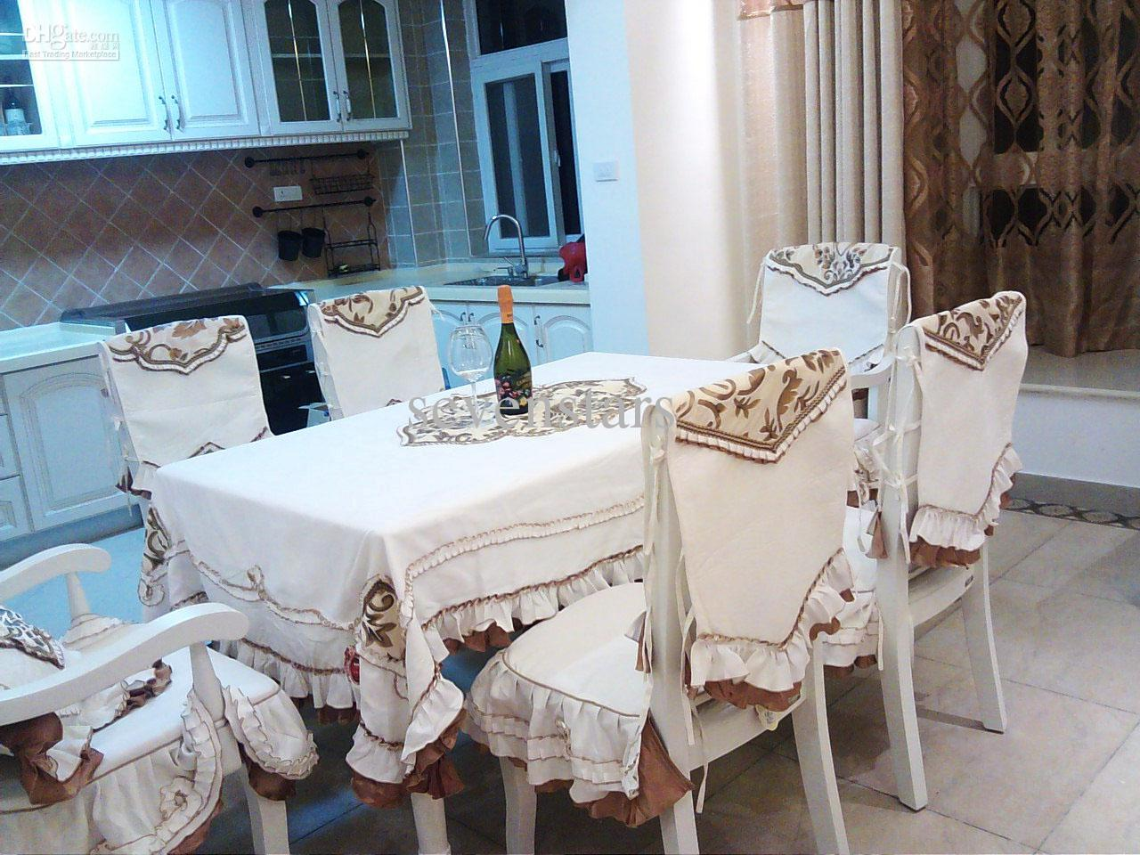 New Arrival Fashion Quality Embroidered Dining Table Cloth Set