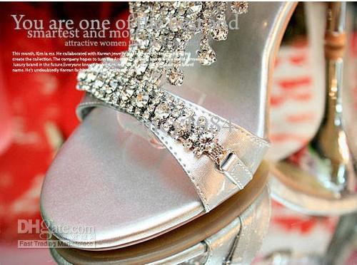 Le nuove scarpe da cerimonia nuziale arrivate del partito superano la scarpa a tacco alto della signora del temperamento dei sandali della bocca dei pesci d'acqua costosi di argento Trasporto libero