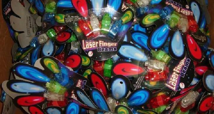 4x cor diodo emissor de diodo emissor de mão laser feixes de festa light-up de dedo anel laser luzes com pacote blister