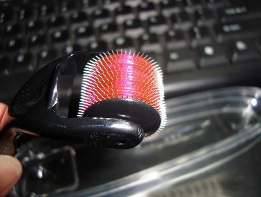 Eye-catching Derma Roller Titanium voor gezichtsmassage Huidverzorging Dermaroller 540 Naalden