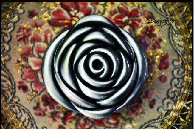 Nouvel alliage d'étain unique Big Rose Sculpture de mariage Boîte à bijoux pour cadeaux de mariée Cadeaux de mariée Boîte à bijoux Livraison gratuite